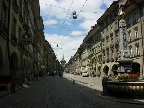 Altstadtstraße_(Richtung_Zytglogge)